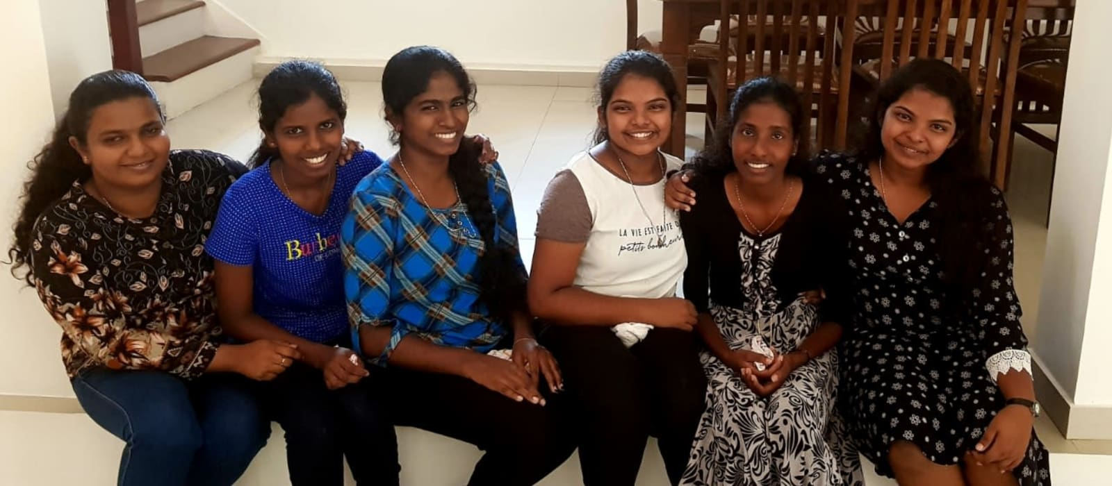 Ethul Kotte girls at home